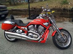 2005 Harley-Davidson VRSCSE Cruiser , Orange for sale in Saint Peters, MO