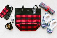 Cozy Flannel Themed Bachelorette Weekend in the Mountains Bachelorette Party Decorations, Bachelorette Party Favors, Bachelorette Weekend, Bachelorette 2017, Wedding Favors, Wedding Ideas, Bergen, Lumberjack Wedding, Camping Gifts