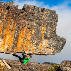 @thiloschroeter on the Rocklands classic The Rhino (7a) Roadside area Cederberg South Africa. by isofunus