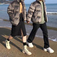 """280 tykkäystä, 111 kommenttia - 박경민 (@p__k_0) Instagramissa: """"누가봐도 커플 #빵콩커플 . . . . . .…"""" Asian Fashion, Bomber Jacket, Winter Jackets, Winter Coats, Winter Vest Outfits, Bomber Jackets"""