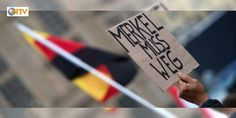 Göstericiler Merkel ve Gaucku yuhaladı : Almanyanın yeniden birleşmesinin yıldönümü kutlamalarına bu yıl Dresden ev sahipliği yaptı. Kutlamalar için Dresdene gelen Başbakan Merkel ve Cumhurbaşkanı Gauck protesto edildi ve yuhalandı.  http://ift.tt/2cXq78C #Dünya   #Gauck #Dresden #Merkel #Başbakan #Kutlamalar