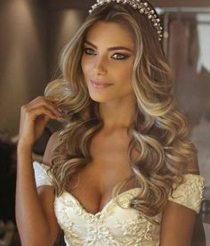 Charming Bridal Hairstyles Elegant Wedding Hairstyles Ideas in 2020 Bridal Hair Down, Wedding Hair Down, Bridal Hair And Makeup, Boho Wedding, Long Bridal Hair, Hairstyle Wedding, Hairstyle Ideas, Bob Hairstyle, Wedding Makeup