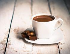 Wat is beter: zoetjes of suiker in je koffie?