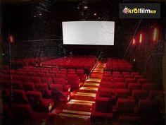 Kahkahaların hiç durmayacağı en iyi komedi filmlerini sizler için bir araya getirdik. Komedi filmleri izleyin http://kralfilm.co/category/komedi