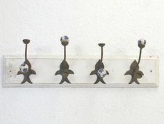 Garderobe Hakenleiste Wandhaken Holz Metall antik von Schlüter Kunst und Design - Stühle, Kommoden, Regale, Modeschmuck auf DaWanda.com