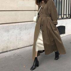 Korean Fashion Trends you can Steal – Designer Fashion Tips Korean Street Fashion, Korean Fashion Trends, Modest Outfits, Modest Fashion, Fashion Outfits, Womens Fashion, Fashion Ideas, Winter Stil, Mode Hijab