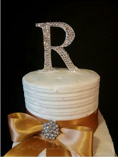 1st wedding cake topper of 2015letter r is handsculpted feom gumpast and