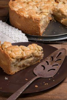 Appeltaart/ Dutch Apple Pie Recipe visit the site for complete recipe Dutch Desserts, Apple Dessert Recipes, Tart Recipes, Apple Recipes, Gourmet Recipes, Baking Recipes, Delicious Desserts, Amish Recipes, German Recipes