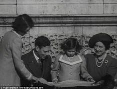 Rare footage of the royal family in 1939 sees Queen Elizabeth age with a nine-year-old Margaret enjoying family time just weeks before the second world war broke out Princess Louise, Princess Elizabeth, Princess Margaret, Queen Elizabeth Ii, Margaret Rose, George Duke, King George, Queen Elizabeths Children, Pictures Of Queen Elizabeth