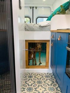 School Bus Tiny House, Bus House, Van Conversion Interior, Camper Van Conversion Diy, Bus Living, Tiny House Living, Mobile Living, Mobile Home, Camper Life
