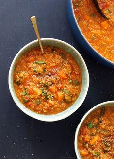 Lentil, Kale & Quinoa Stew (Vegan) Vegan Recipes Videos, Vegan Recipes Easy, Healthy Dinner Recipes, Soup Recipes, Vegetarian Recipes, Cooking Recipes, Delicious Meals, Detox Recipes, Quinoa Soup