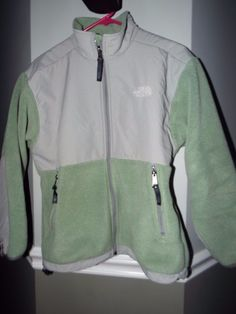 The North Face Denali Junior/Youth  size L,Green&Gray, EUC,  #TheNorthFace #BasicJacket #Everyday