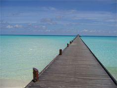 il pontile sull'atollo di Ari