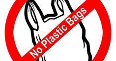 Negara bagian California melarang penggunaan tas plastik untuk alasan pelestarian lingkungan. Larangan ini diatur dalam undang-undang yang baru disahkan. Pemberlakuan peraturan baru ini dilakukan secara bertahap mulai dari 1 Juli 2015. Jika aturan ini dilanggar, maka pelakunya didenda sekitar Rp 121 ribu! Selengkapnya di http://on-msn.com/YTSzOk