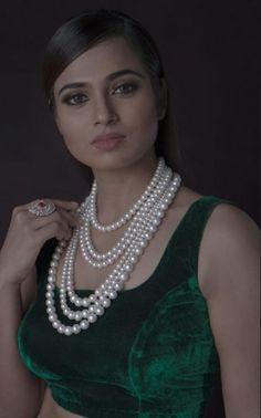Ramya Pandian (aka) Ramyaa Paandian photos stills & images Indiana, Beautiful Blonde Girl, Beautiful Women, Cute Beauty, Saree Dress, Tamil Actress, Beautiful Indian Actress, Indian Girls, Still Image