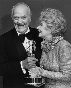 Red Skelton and Lucille Ball Old Hollywood Stars, Hollywood Actor, Classic Hollywood, Queens Of Comedy, Funny Comedians, Red Skelton, Desi Arnaz, Celebrities Then And Now, Old Movie Stars