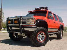 1999 GMC Suburban. Good Looking Truck