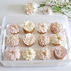 These are some gorgeous floral cupcakes! They would be a hit at your floral baby… These are some gorgeous floral cupcakes! They would be a hit at your floral baby shower, love the neutral shades! Birthday Cupcakes, Mini Cupcakes, Cupcake Cakes, Baby Shower Cupcakes For Girls, Christening Cupcakes Girl, Rustic Cupcakes, Ladybug Cupcakes, Kitty Cupcakes, Snowman Cupcakes