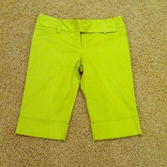 B-Wear green short capris B-Wear green short capris.  Size 9.  It has two front pockets and two back pockets.  No trade.  Non-smoking household. Pants Capris