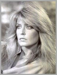 "The gorgeous Farrah Fawcett circa 1976 during her ""Most Beautiful Woman"" faze."