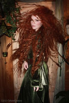 Gorgeous Brave costume roleplaying Merida the redhead cosplay babe Beautiful Red Hair, Beautiful Redhead, Brave Costume, Merida Cosplay, Fairy Cosplay, Cultura Pop, Ginger Hair, Best Cosplay, Shades Of Red