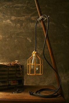 Lámpara curiosa  #Iluminación  #Lighting