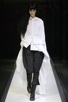 Yohji Yamamoto Spring 2007 Ready-to-Wear Fashion Show - Daiane Conterato (Elite)