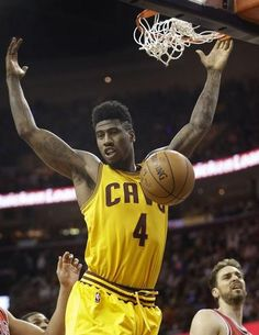Cavaliers guard Iman Shumpert dunks during the second half of Game 2 Wednesday night in Cleveland.