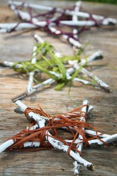 summer twig ornaments - happy hooligans - star ornaments for the patio