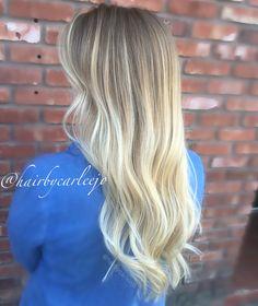 Blonde ombré • long layers • color melt