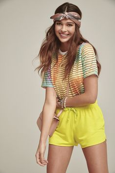 Shorts neon+camiste tie dye! Tie Dye, Ideias Fashion, Look, Shorts, Outfits, Style, Short Sleeve Blouse, Flare Leg Jeans, Tumblr Outfits