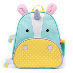 This cute unicorn backpack from Skip Hop in pale green and yellow has pink ears and a purple horn. The Skip Hop Unicorn Zoo Pack Backpack has a roomy main compartment, mesh side pocket, insulated from pocket and easy to clean lining. Mochila Skip Hop, Mini Mochila, Insulated Backpack, Insulated Lunch Box, Skip Hop Unicornio, Skip Hop Zoo, Kids Lunch Bags, Trolley Case, Toddler Backpack