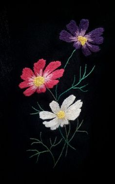 Awesome Most Popular Embroidery Patterns Ideas. Most Popular Embroidery Patterns Ideas. Embroidery Flowers Pattern, Hand Embroidery Stitches, Silk Ribbon Embroidery, Embroidery Hoop Art, Hand Embroidery Designs, Embroidery Techniques, Embroidered Flowers, Cross Stitch Embroidery, Embroidery Fashion