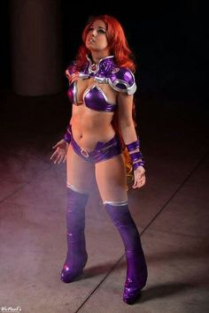 Starfire cosplay. Amazing, nicely done!