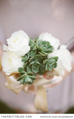 White and Green Bouquet |  Photographer: Laura Goldenberger