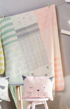 David Fussenegger Juwel Kinderdecke Katzen Patch rosa grün - Bonuspunkte sammeln, auf Rechnung zahlen, DHL Blitzlieferung!