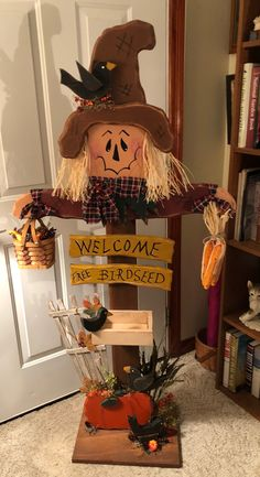 Spring Wood Crafts Diy Ideas 58 Ideas For 2019 Scarecrow Crafts, Fall Scarecrows, Halloween Crafts, Halloween Decorations, Wood Scarecrow, Scarecrow Wreath, Thanksgiving Wood Crafts, Fall Crafts, Holiday Crafts