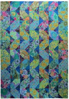 """Cascade"" Pattern by Anne Diester of Spring Leaf Studios. Fabrics by the Kaffe Fassett Collective. by constance Contemporary Quilts, Quilt Modern, Modern Quilting, Batik Quilts, Scrappy Quilts, Soothing Colors, Textiles, Quilt Kits, Quilt Blocks"