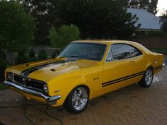1969 Holden Monaro Pictures: See 12 pics for 1969 Holden Monaro. Browse interior and exterior photos for 1969 Holden Monaro. Australian Muscle Cars, Aussie Muscle Cars, American Muscle Cars, Classic Hot Rod, Classic Cars, Holden Muscle Cars, Holden Monaro, Holden Australia, Hot Rides