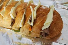 This yummy campfire philly cheesesteak sandwich recipe is perfect for camping! Simply wrap it in a tinfoil packet to make an easy camping meal in minutes. Best Camping Meals, Camping Menu, Camping Foods, Camping Tips, Camping Stuff, Steaks, Beef Recipes, Cooking Recipes, Grill Recipes