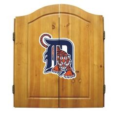 Boston Red Sox Dart Cabinet (Bristle Board and Darts Included) Show your team spririt with this officially licensed dart cabinet. A perfect gift for any fan! The cabinet is solid pine and contains six steel darts, bristle board, chalk and eraser. Mlb Team Logos, Mlb Teams, Cincinnati Reds, Cleveland Indians, Cleveland Rocks, Dart Board Cabinet, Game Room Furniture, Sock Dart