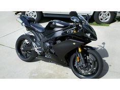 2008 Yamaha R1 really like the Ravens, but black is too hot for Texas..