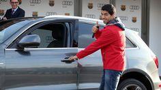 Luis Suárez, con el Audi de la temporada 2014/15. FOTO: MIGUEL RUIZ-FCB.