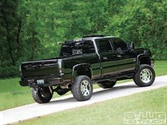 2006 Duramax more of a Ford truck guy but the Duramax sure does look good.