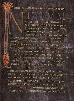 Initiales de l'Evangile de St-Marc: EVANGELIAIRE DU COURONNEMENT DE VIENNE- ENLUMINURE CAROLINGIENNE 5) EPOQUE DE CHARLEMAGNE, 5.2: GROUPE DE L'EVANGELIAIRE DU COURONNEMENT DE VIENNE OU ECOLE DU PALAIS, 6: ...autres motifs classiques donnent aux oeuvres le caractère atmosphérique et illusionniste de la peinture hellénistique.