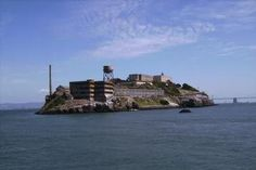 San Francisco Hop-on Hop-off Ticket and Alcatraz Tour