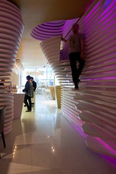 Saraiva + Associados designed the Sushicafé Avenida in Lisbon, Portugal.  Very pretty, but don't thik you should use these stairs after a few cocktails!