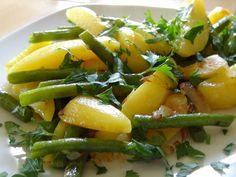 Kartoffeln mit Bohnen  Dieses einfache Gericht lässt sich mit wenig Aufwand schnell zubereiten.   http://einfach-schnell-gesund-kochen.de/kartoffeln-mit-bohnen/