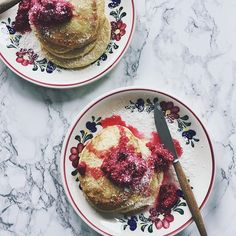 Raspberry coconut pancakes for late breakfast. I always use frozen fruits. Just put them in a pan with some maple syrup and you get an easy fruity sauce. Have a nice Sunday! Coconut Pancakes, Frozen Fruit, Maple Syrup, Raspberry, Sunday, Yellow, Nice, Breakfast, Food