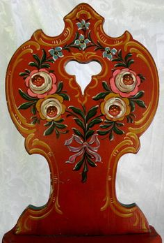Norwegian rosemaling - really looks more like bauernmalerai for me. Beautiful anyway! One Stroke Painting, Tole Painting, Painted Chairs, Painted Furniture, Norwegian Vikings, Norwegian Rosemaling, German Folk, Scandinavian Folk Art, Country Furniture
